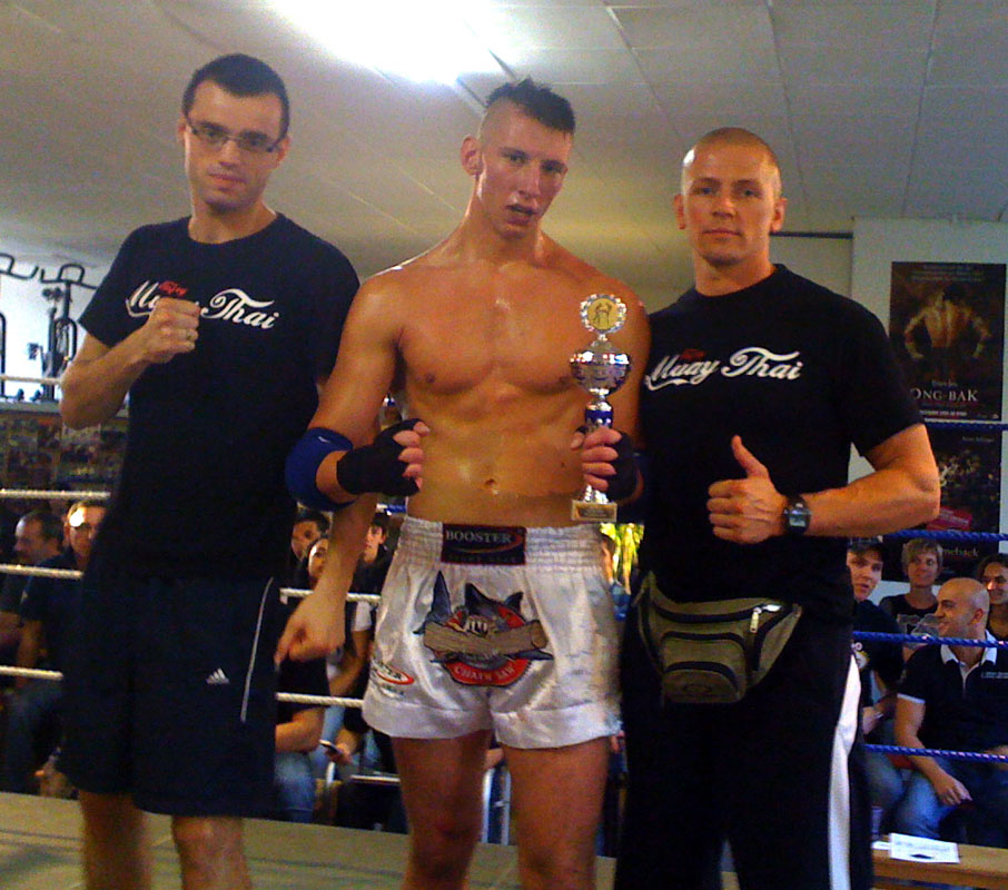 muay-thai-fights-im-chorakee-gym-26-09-09-034
